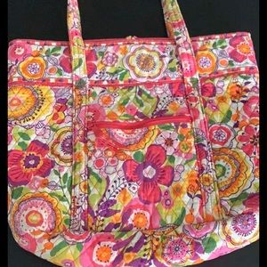 OFFERS WELCOME VERA BRADLEY Large Pink Tote